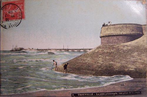 14 -Trouville sur mer la jetée promenade.