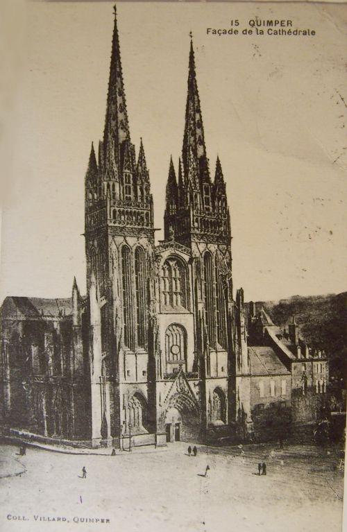 29 Quimper - Façade de la cathédrale.