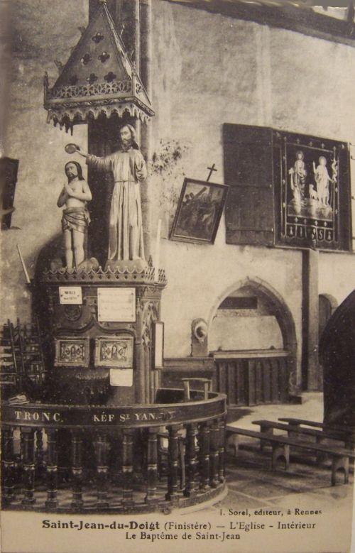 29 Saint Jean du doigt ( finistére) Inrtérieur de l'église.