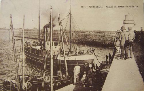 Quiberon - Arrivée du bateau de Belle île