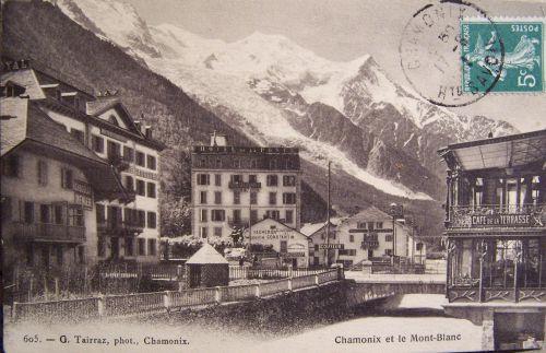 Chamonix - La ville et le Mont Blanc