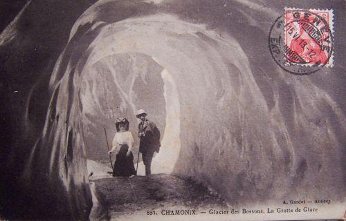 Chamonix- Glacier des Bossons la grotte de glace