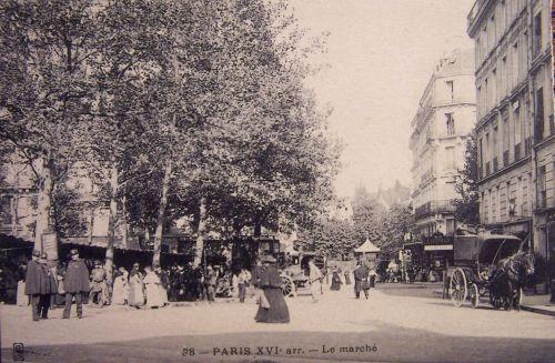 Paris - Marché dans le XVI éme
