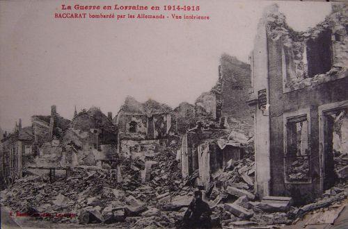 54 Baccarat - après un bombardement allemand
