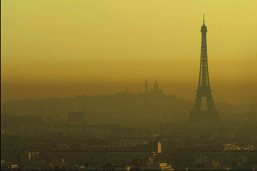 715389_7_f07c_paris-sous-un-nuage-de-pollution_2c50c632370874e40f6317b4c82f3880.jpg
