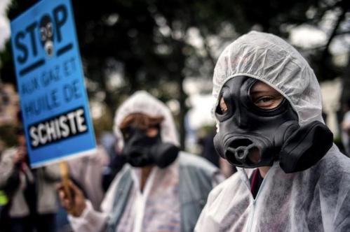 600253-manifestation-a-montelimar-le-19-octobre-2013-contre-l-exploitation-du-gaz-et-de-l-huile-de-schiste.jpg