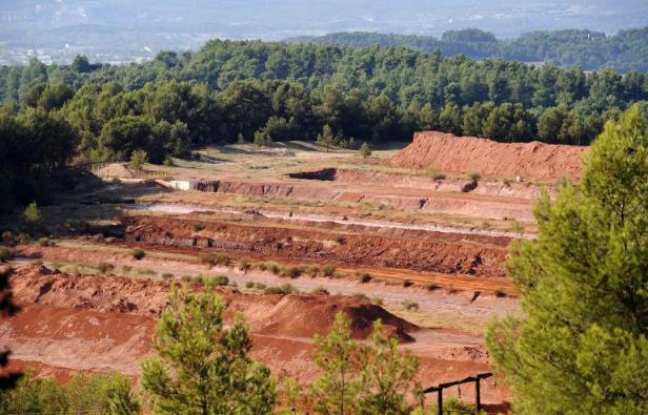648x415_site-mangegarri-8-octobre-2010-pres-gardanne-bouches-du-rhone-ou-residus-bauxite-produisent-boues-rouges.jpg