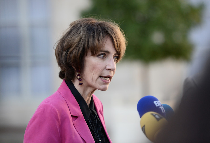 Marisol-Touraine-devant-lElysee-5-octobre-ministre-sante-porter-plainte-contre-maires-retirent-affiches-campagne-prevention-contre-Sida-STEPHANE-DE-SAKUTI.jpg