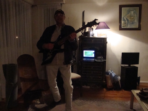 Steph Skame à la guitare 22-02-2014 001.JPG