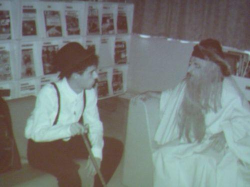 video  introducing our high school  :  Chaplin and Da Vinci