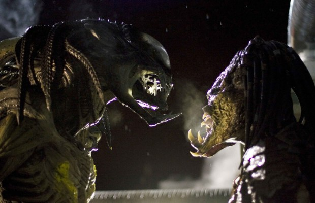 the-predalien-and-predator-face-off-in-aliens-vs-predator-requiem-photo-credit-james-dittiger-movie-1743131904.jpg