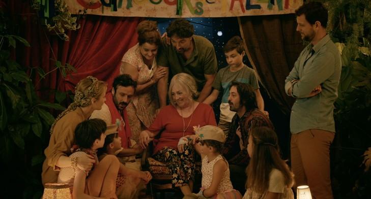 Carmen-Maura-rayonnante-Ma-Famille-Loup-Adria-Garcia_0_729_392.jpg