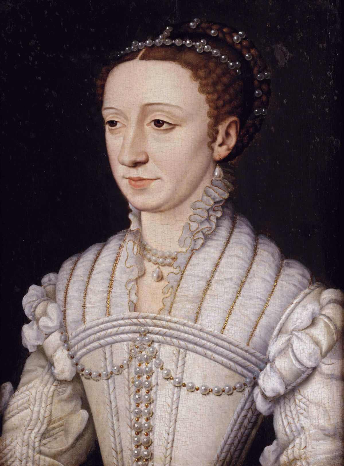 1200px-Margaret_of_France_Duchess_of_Berry_by_Studio_of_François_Clouet.jpg