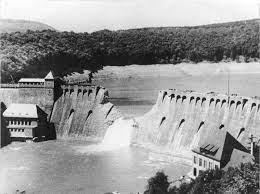 Brisseurs de barrages.jpg