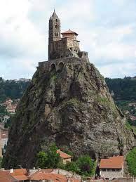chapelle st michel du Puy.jpg