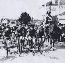 1er tour fe france cycliste.jpg