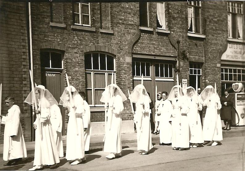 Procession communiants 19660001.jpg