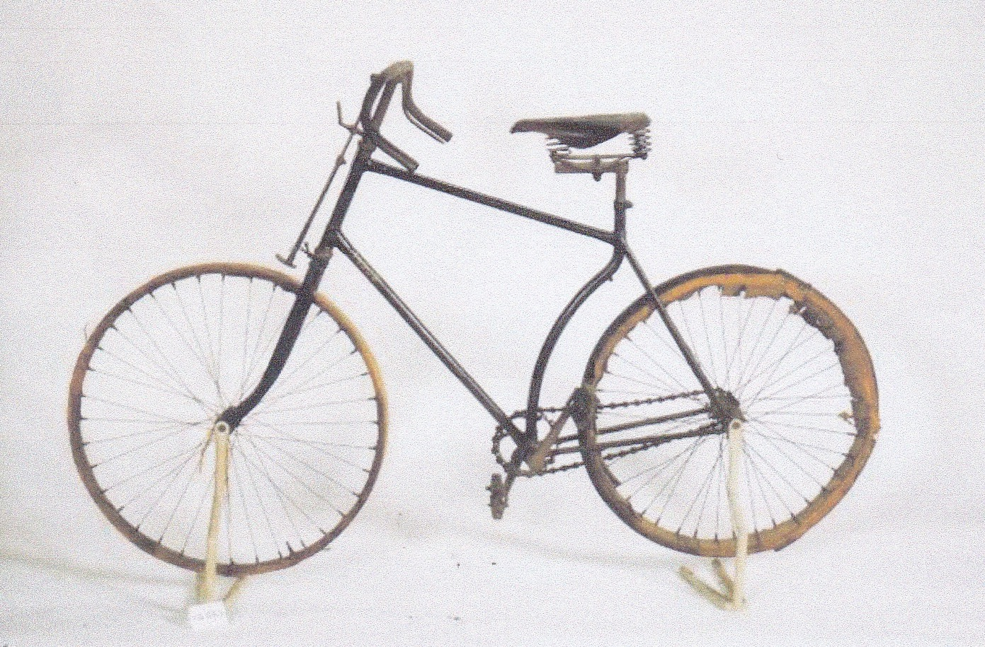 Bicyclette clément.jpg
