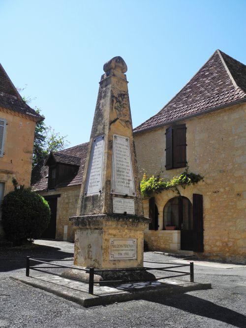 PERIGORD NOIR : Village de Mauzens