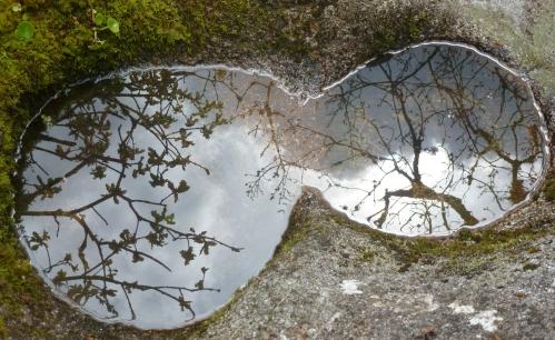 Mai 2012  St Yviec Cahos toul goudic 061pm.jpg