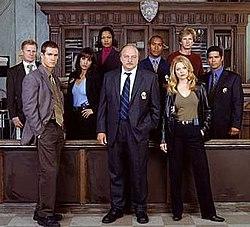 250px-NYPD_Blue_(cast_photo_-_season_11).jpg