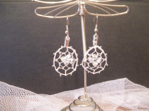 boucle mariée ronde et perle blanche.JPG