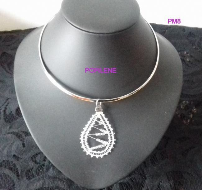 Pendentif en fil  soie avec ses perles de SWAROVSKI
