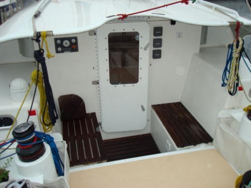 cockpit [800x600].JPG
