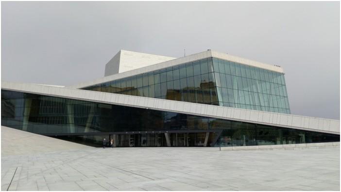 Une architecture contemporaine épurée :