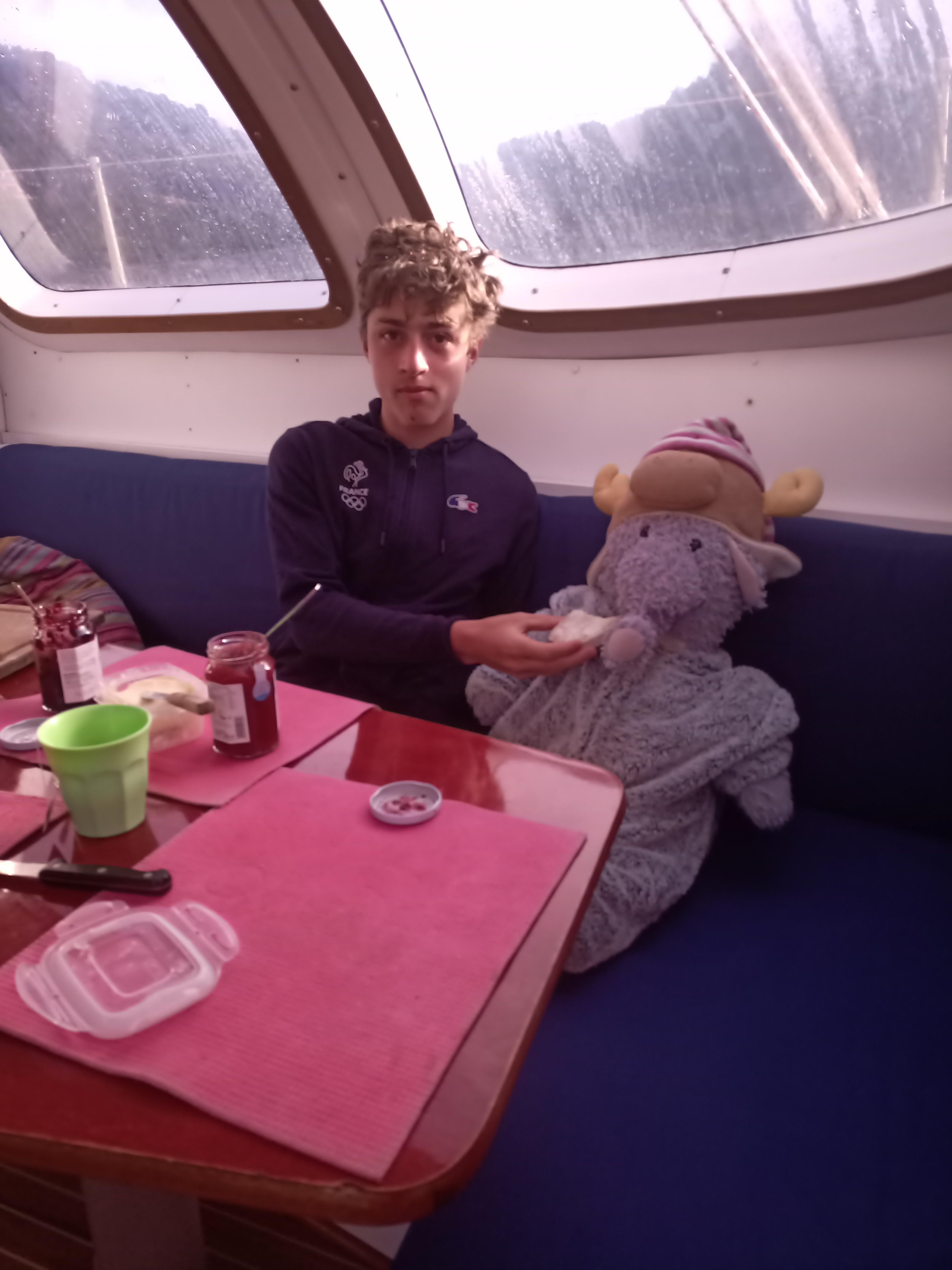 Je prends mon petit déjeuner avec Fabio.