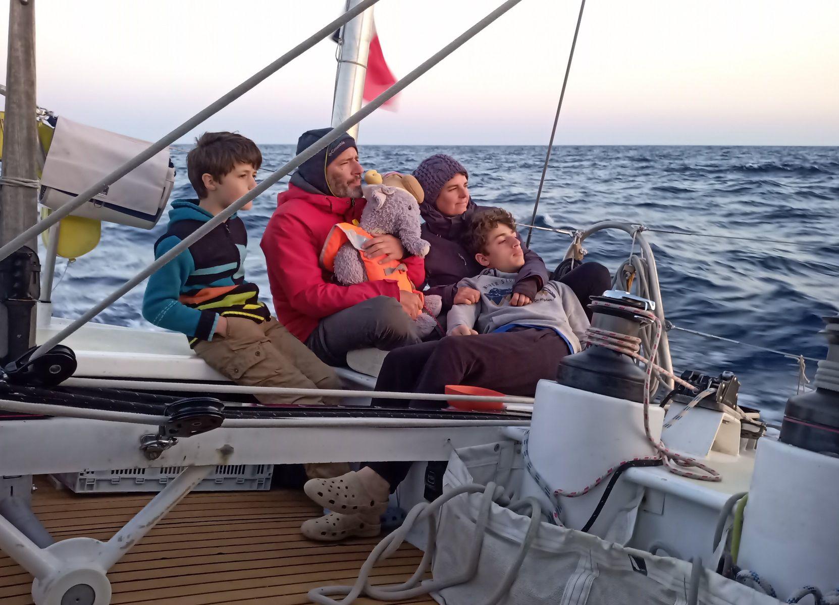 Willem, Julien, Aurélie, Fabio et moi , pendant la traversée Sardaigne-Baléares