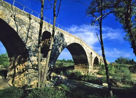 5 pont-julien-provence.jpg