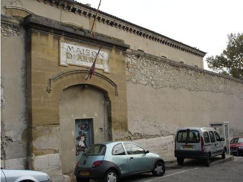 3 - Entrée principale de la prison.JPG