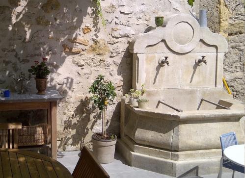 Fontaine du papet.jpg