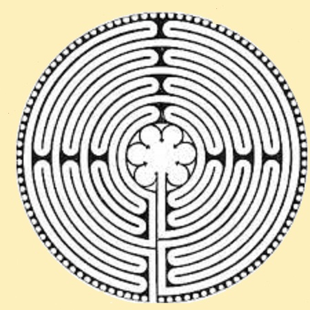 Labyrinthe de Chartres jaune.jpg