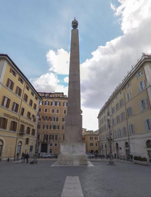 4- horologium d'Auguste_2179m 3 palais Montecitorio Rome.JPG
