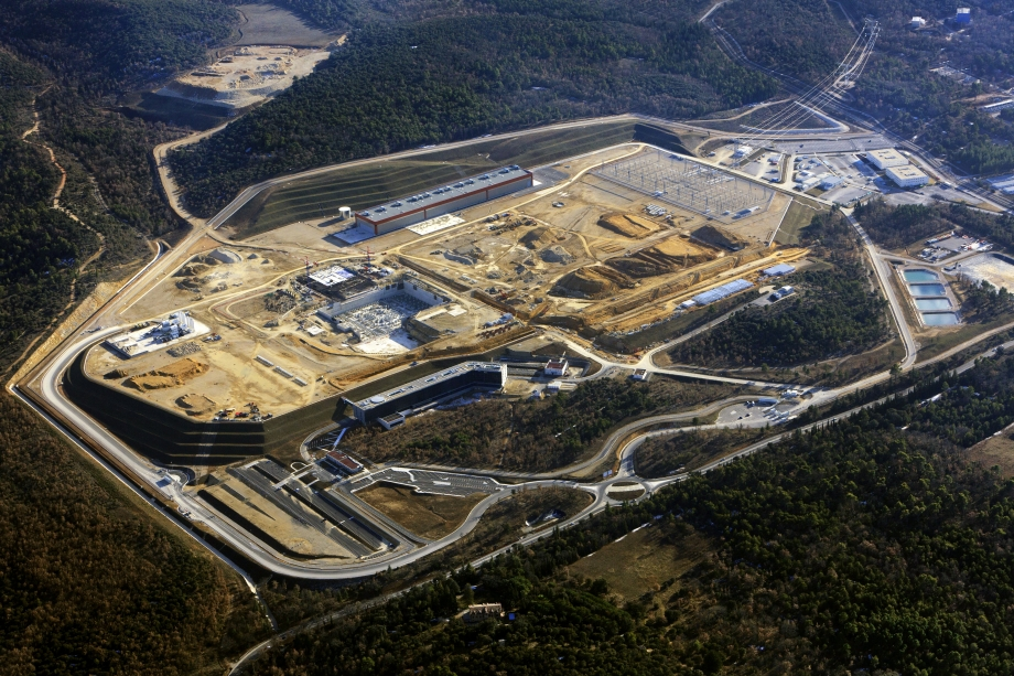 7_iter-tokamak-construction-site-aerial.jpg