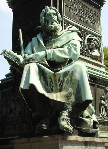 Pierre VALDES ai mémorial de Luther.jpg