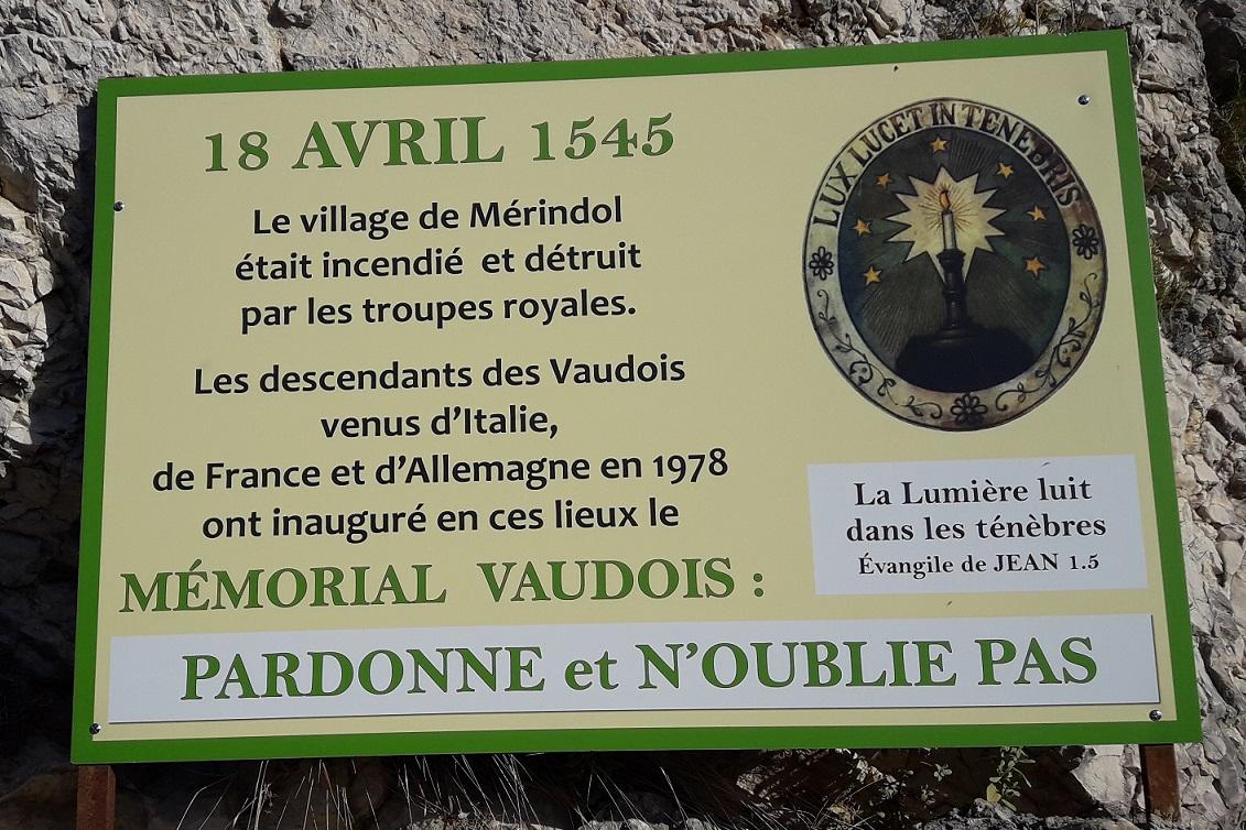 MERINDOL INCENDIE LE 18-04-1545.jpg