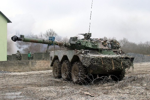 19 - AMX 10.jpg