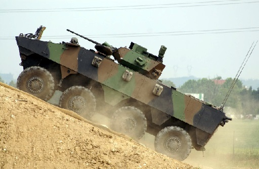 15 - Blindé de combat VBCI Renault.jpg