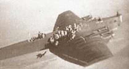 53 _ Parachutistes soviétiques.JPG