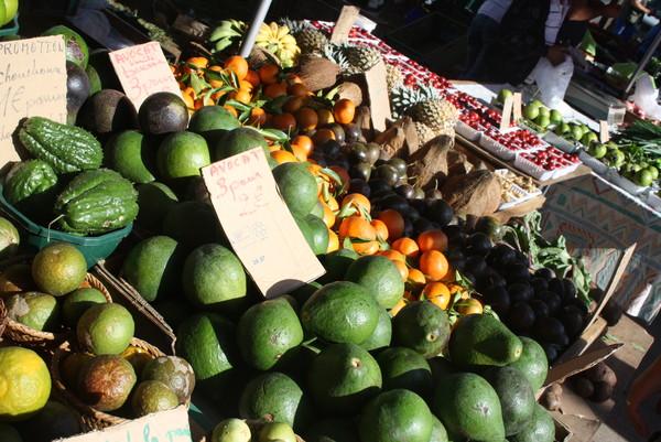 marché St Pierre les légumes.JPG