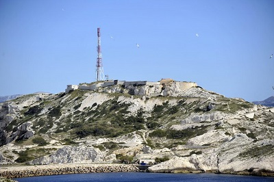 9 _ fort-de-Pomègues-antenne-hertzienne.jpg