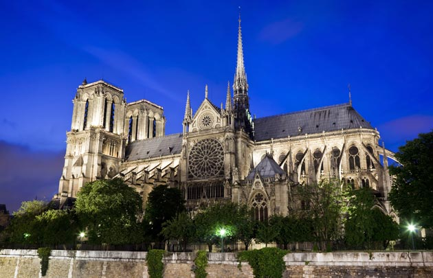 1 Cathedrale-Notre-Dame-nuit.jpg