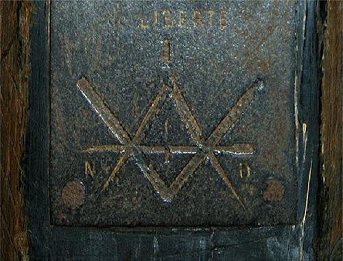 C10 plaque du poiçon.jpg