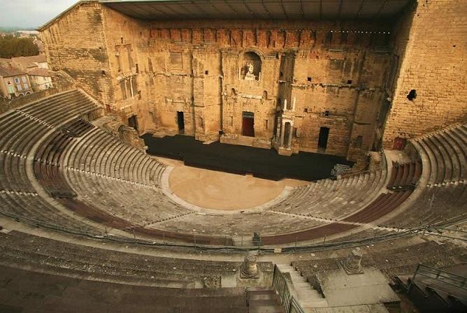 02-theatre-antique-orange.jpg