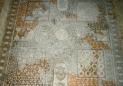 68 - mosaïque en croix de U.jpg