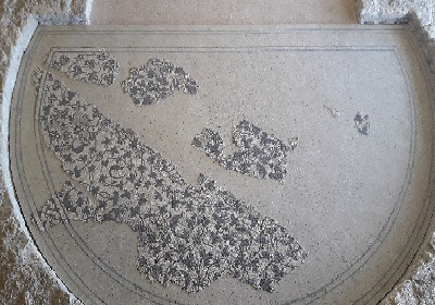 82 - mosaïque feuilles de Lierre.jpg