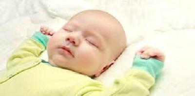 2 bébé dort.jpg
